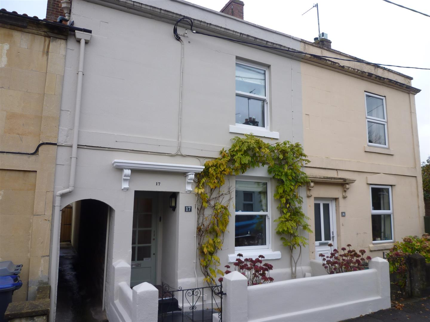 3 Bedrooms Terraced House for sale in Trowbridge